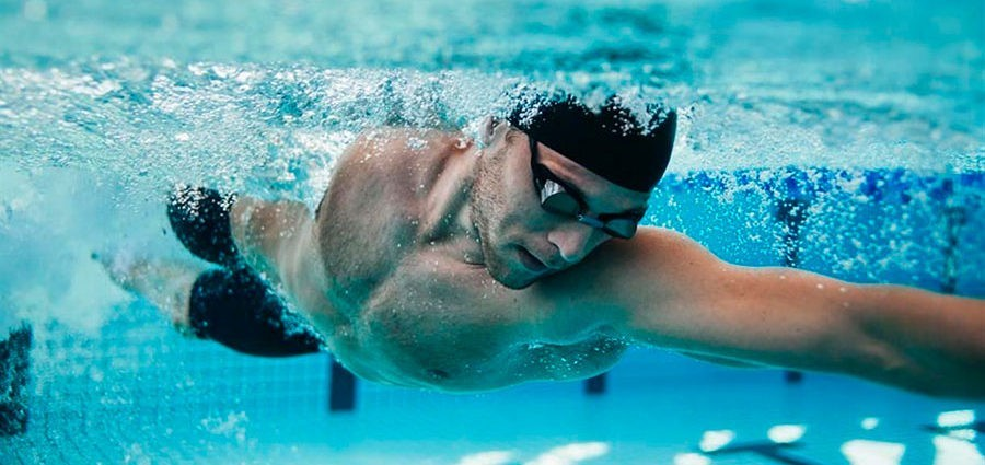 4 Basic Tips if You Want to Practice Swimming as if There Was No Tomorrow